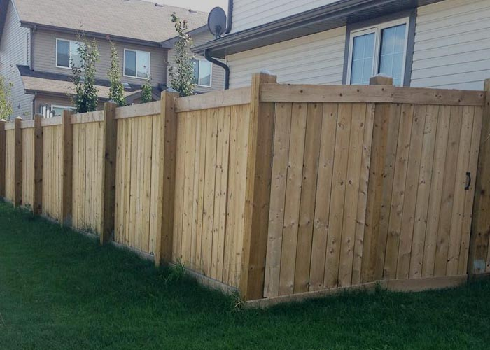 Deck and fence construction services - custom fence